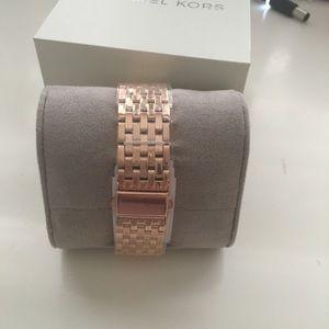 Michael Kors Accessories - Michael Kors Darsey watch - rose gold